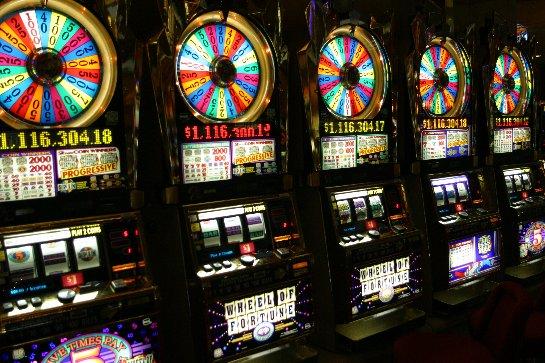Играть в популярные игровые аппараты в онлайн казино Игровой Клуб Vulkan