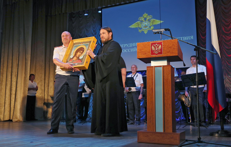 Представник УПЦ (МП) взяв участь у святкуванні дня слідчих органів РФ у Сімферополі