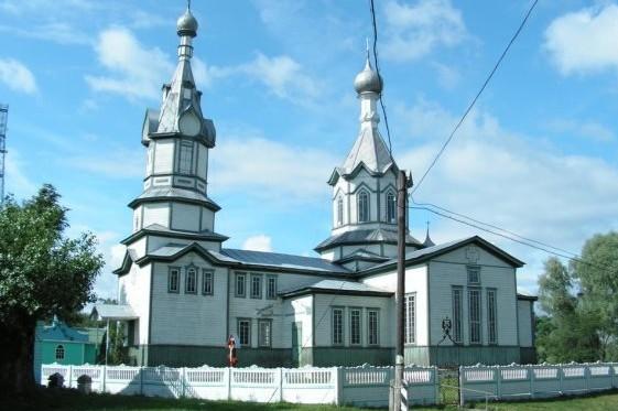 Селяни за власний кошт ремонтують унікальну церкву Чернігівщини