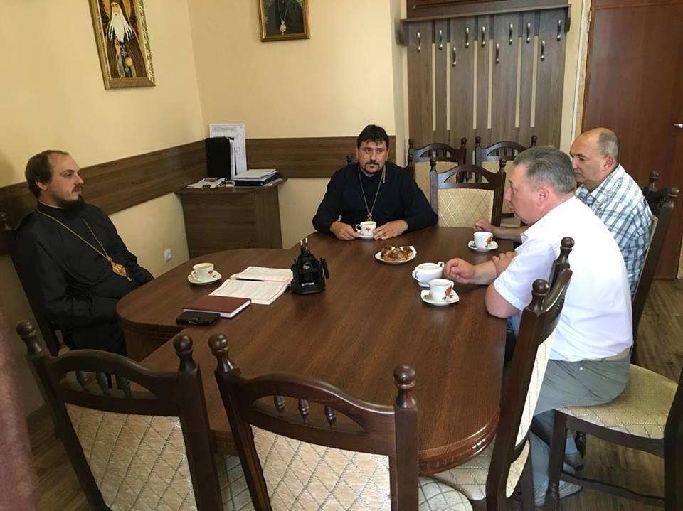 Єпископ УПЦ КП обговорив питання співпраці з Управлінням охорони здоров'я Житомирської ОДА