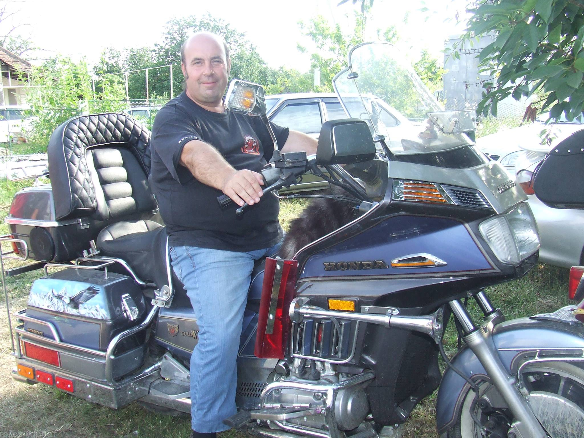 Греко-католицький священик ініціював клуб любителів-мотоциклістів і став членом Товариства байкерів-священиків Угорщини