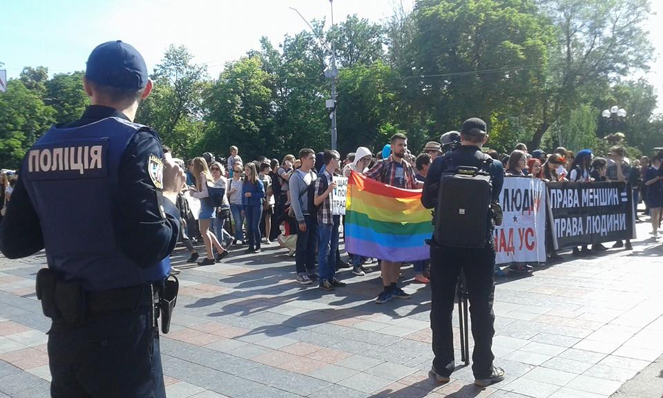 Від захисту радянської символіки – до нападок на Церкву, – архиєпископ УПЦ КП про Amnesty International в Україні
