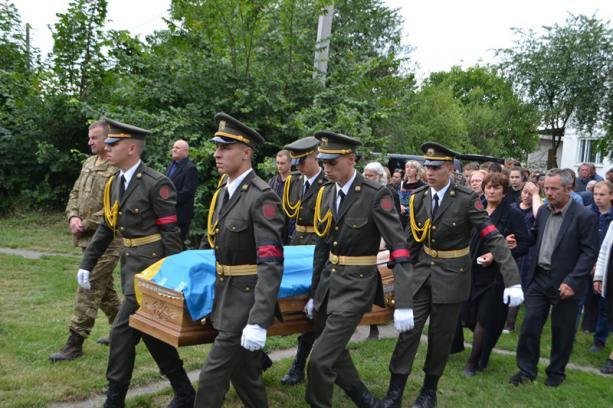 Голова Львівської ОДА Синютка закликав єпископа УПЦ (МП) вплинути на батька його підлеглої