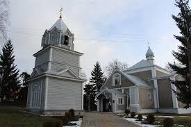 Громада, яка перейшла до УПЦ КП, просить священика звільнити церковний будинок