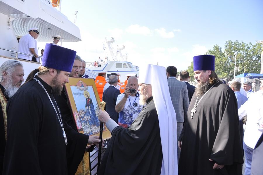 Митрополит УПЦ (МП) поблагословив Чорноморський флот Росії