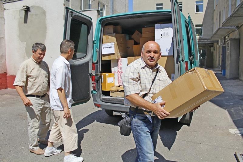 У Харкові християни передали госпіталю 400 кг медичних матеріалів для поранених бійців