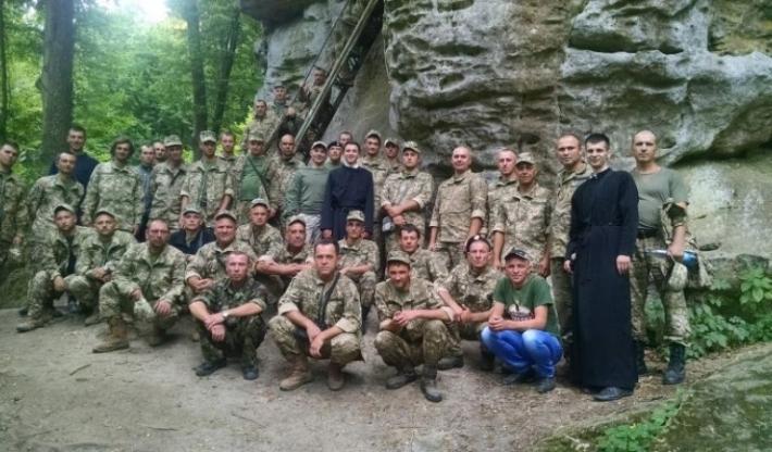 Морські піхотинці помолилися у монастирі УГКЦ