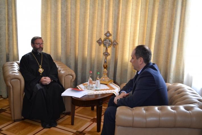 Глава УГКЦ обговорив з міністром із питань тимчасово окупованих територій проблеми переселенців