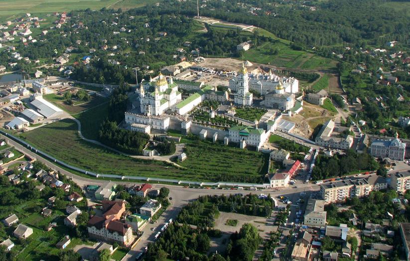 Самогубство в Почаївській лаврі: колишній військовий звів рахунки з життям