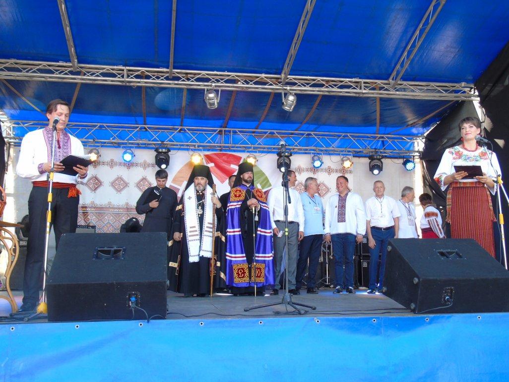 Єпископи УПЦ КП та УГКЦ відкрили урочистості з нагоди Дня міста Коломиї