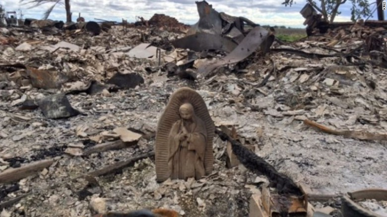 Ураган Гарві знищив все, залишивши неушкодженою лише фігурку Діви Марії