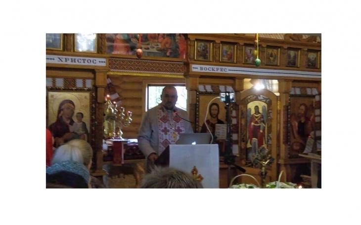Бог віддячить за репост: франківський священик про віру та соцмережі
