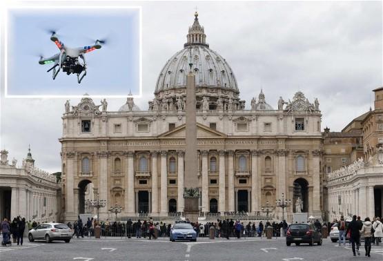 У небі над Ватиканом помічено невідомий безпілотник