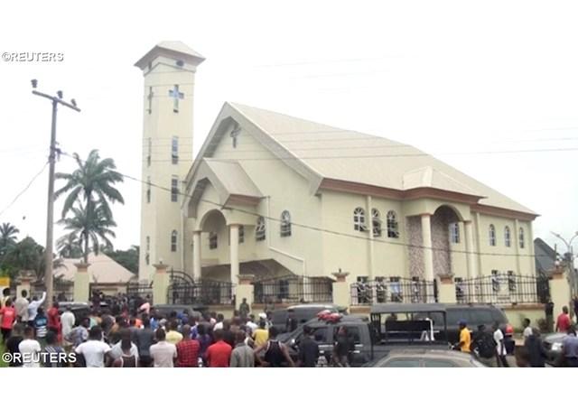 Папа висловив співчуття у зв'язку із збройним нападом на католицький храм в Нігерії