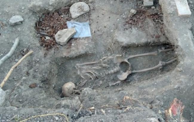 У Криму окупанти знищили мусульманське кладовище заради будівництва котетжів