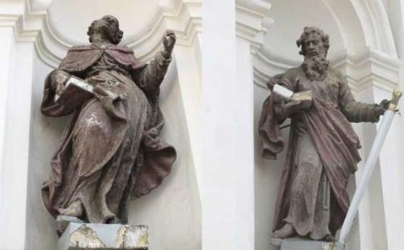 З костелу Петра і Павла у Луцьку зник фрагмент скульптури