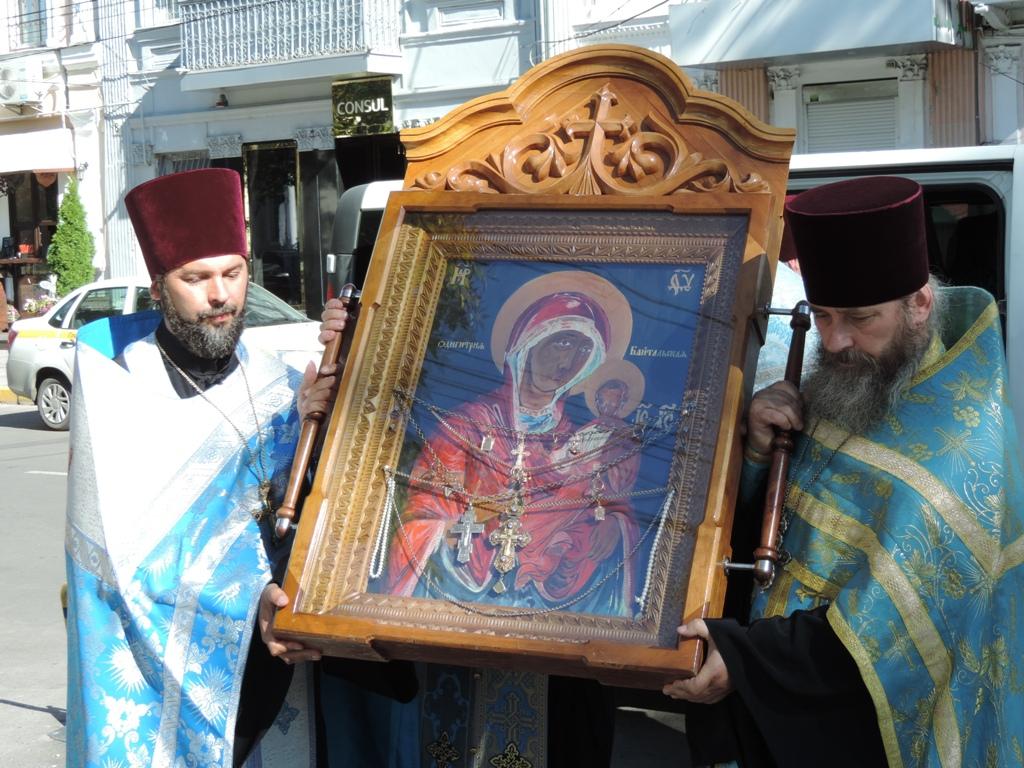 УПЦ ( МП) везе з Одещини до окупованого Криму чудотворну ікону Божої Матері