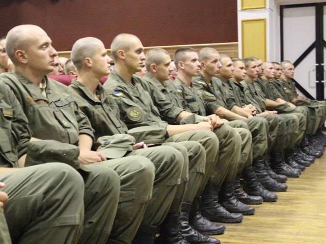 Єпископ УПЦ КП прочитав військовим лекцію про гріх самогубства