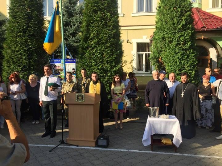 Архієпископ УПЦ закликав військову молодь розкривати свій інтелект і таланти