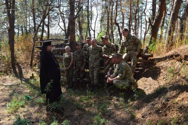 Харківсько-Полтавський архієпископ УАПЦ(о) відвідав військові частини в зоні АТО