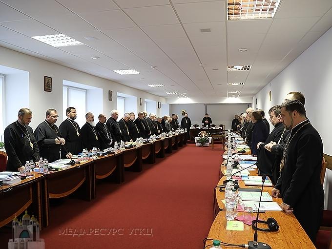 У перший день роботи Синоду УГКЦ владик привітали гості з різних країн та Церков
