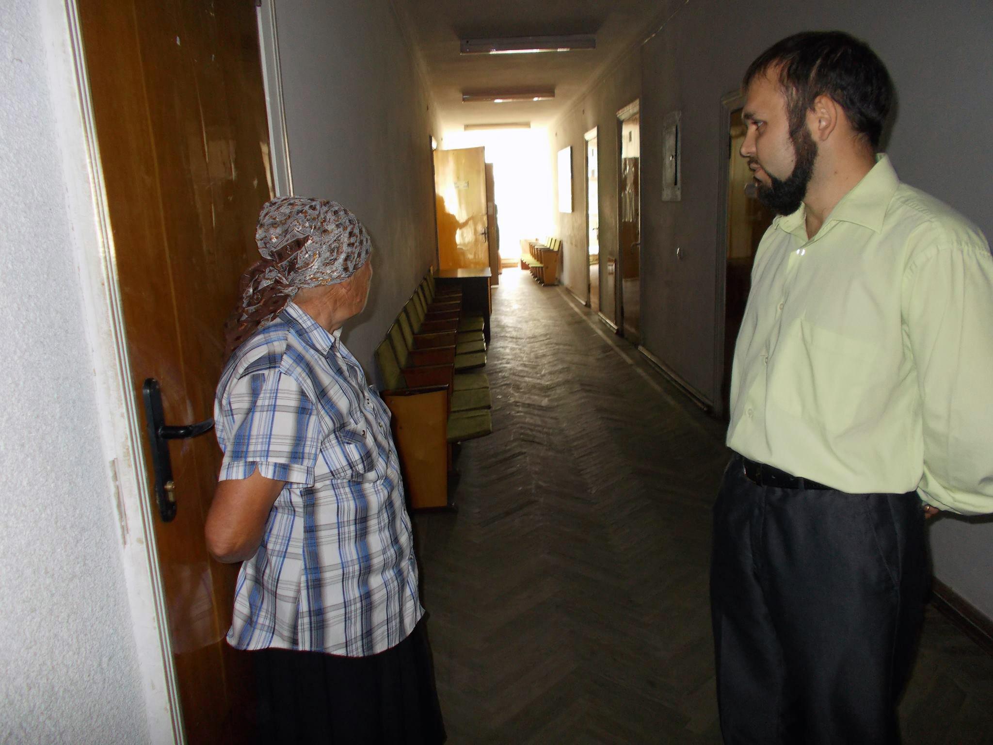 Віряни УПЦ (МП) заборонили священику Київського Патріархату помолитися у капличці міськради