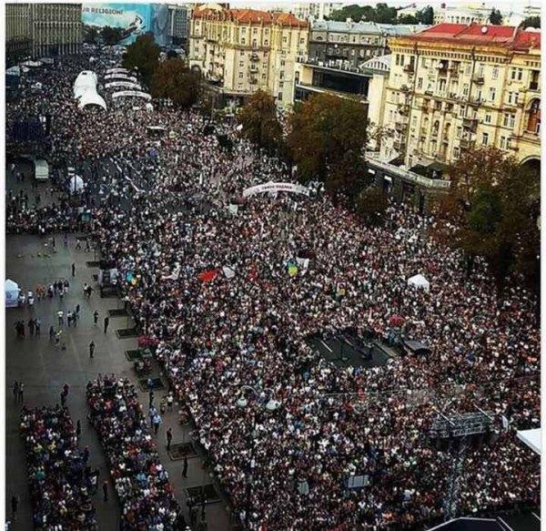 Провідні українські ЗМІ не помітили християнського Майдану у Києві, - політолог