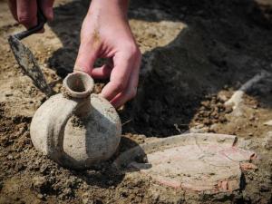 Под Харьковом раскопали древний курган с предположительно языческим храмом