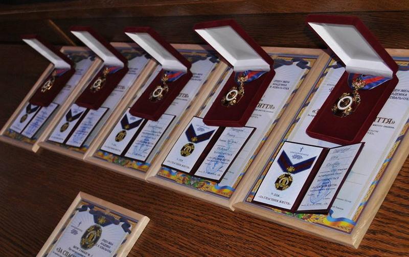 Тернопільська єпархія УПЦ КП спільно з місцевою владою і громадськістю вручила ордени за порятунок життя