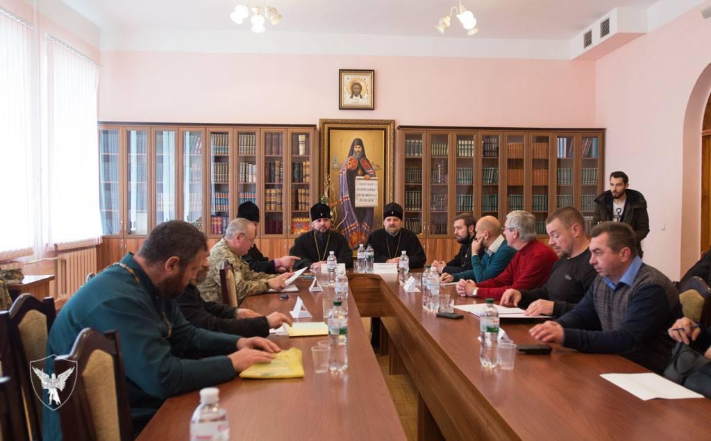 УПЦ КП разом з військовими і психологами формує методичні посібники для роботи капеланів