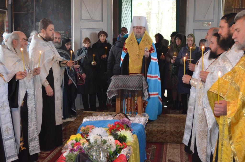 Єпископ УПЦ звершив відспівування загиблого воїна АТО