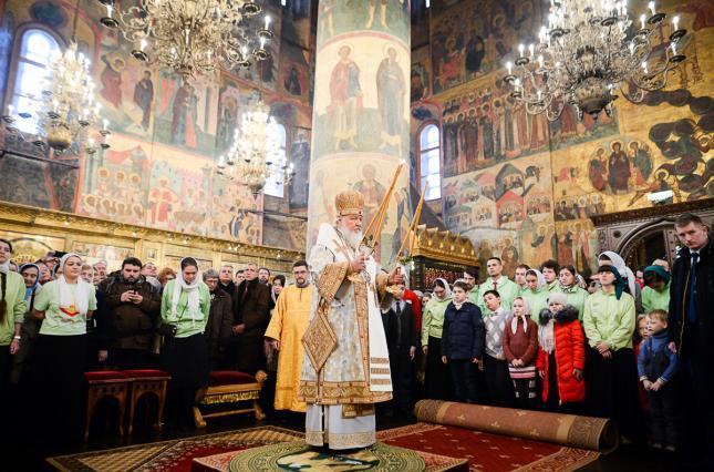 Патріарх Кирил побоюється тотального контролю над людьми через гаджети