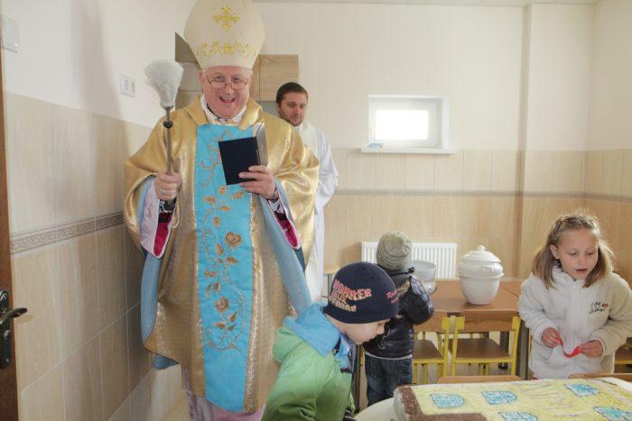 Римо-католики в Україні відкрили вже другий соціальний центр для матерів-одиначок та їх дітей