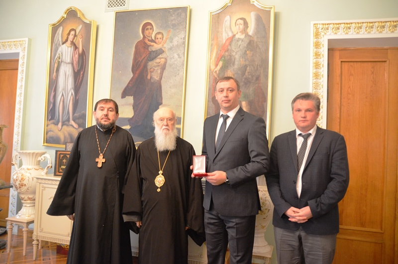 До Дня захисника України Патріарх Філарет нагородив прокурора Києва орденом