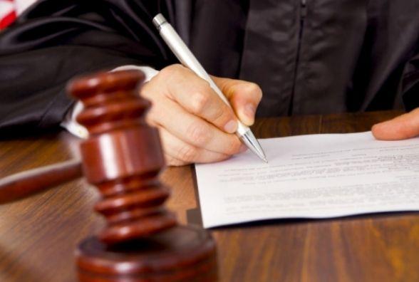 На Тернопільщині судили чоловіка, який побив палицею Свідків Єгови