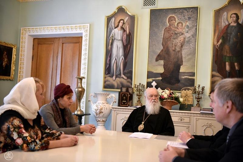 Патріарх Філарет зустрівся з родинами політв'язнів Кремля