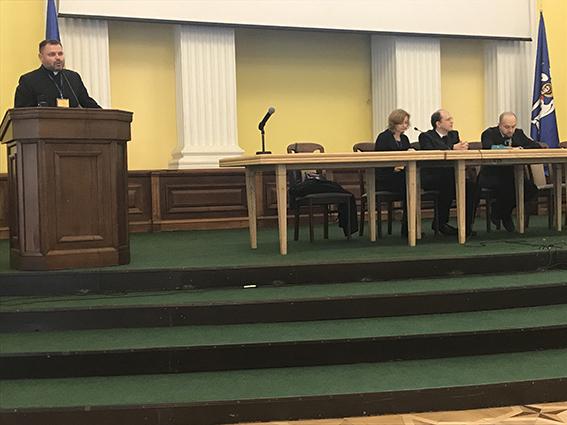 У Києві духовенство, медики, волонтери обговорили формування тверезого способу життя в сім'ї та суспільстві