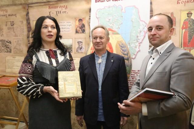 Мер Вишгорода відкрив виставку християнської спадщини
