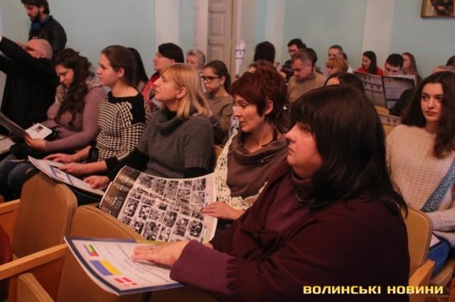 На Українсько-єврейській зустрічі представили буклет «Більш, ніж тисячоліття єврейської історії та культури в Україні» і двотомник «Синагоги в Україні»
