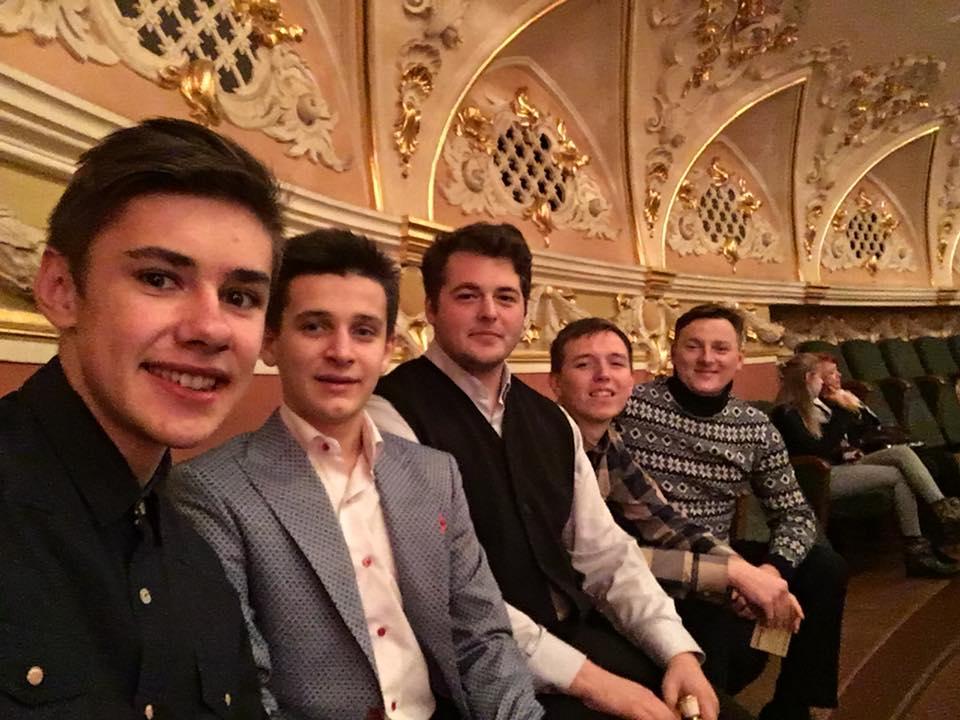 Першокурсники академії УПЦ КП відвідали Національний академічний театр ім. Івана Франка