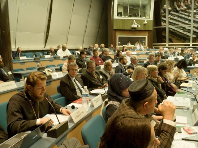 УПЦ/РПЦ скаржиться у Раді Європи на