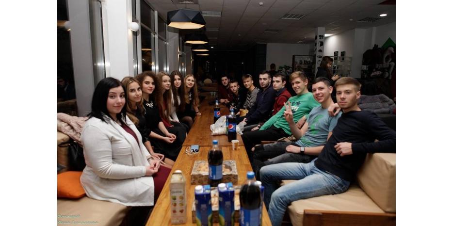 В Днепре на хасидском шабатоне STL обсуждали еврейские приложения для мобильных телефонов