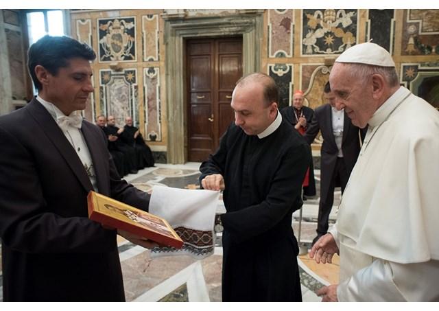 Папа Франциск благословив греко-католиків, «молячись за мир і екуменічне порозуміння в Україні»