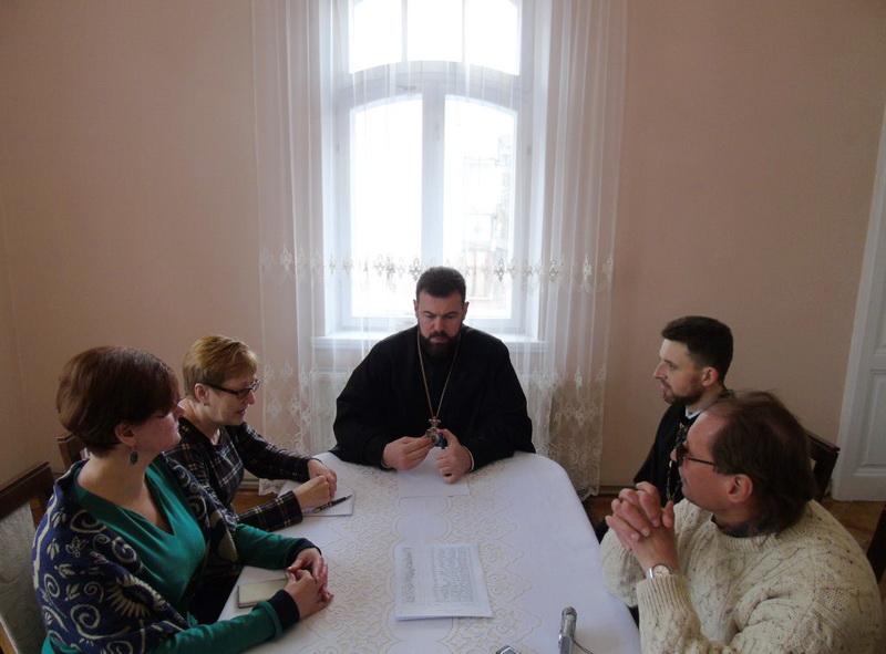 Єпископ УПЦ КП розповів журналістам, чому громади покидають Московський Патріархат