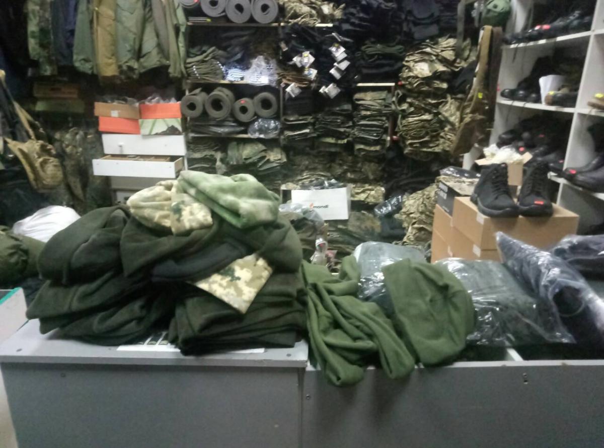 Парафії УПЦ КП і УПЦ (МП) передають допомогу військовим на передову АТО