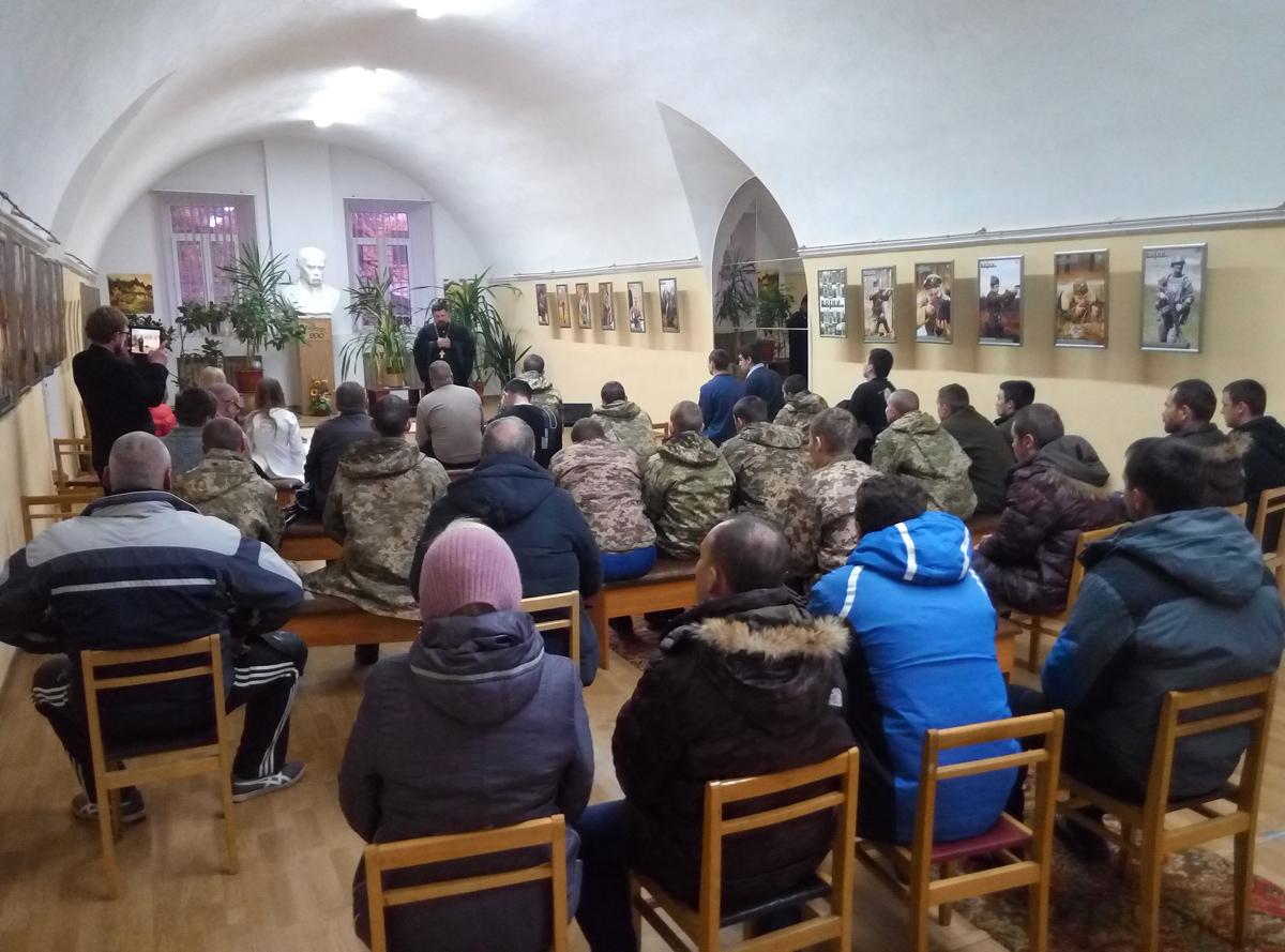УПЦ організувала концертний тур до Дня збройних сил України