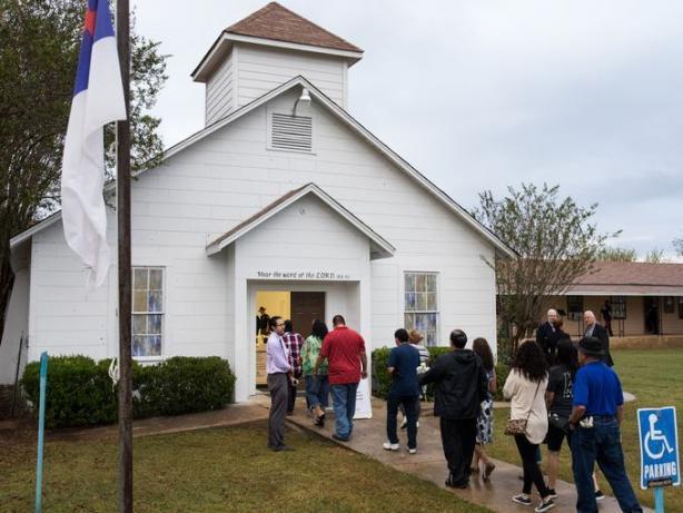 Церкву в Техасі, в якій були розстріляні парафіяни, перетворили в меморіал