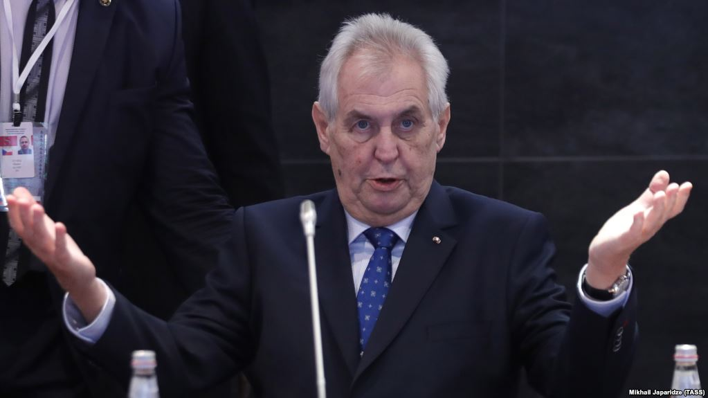 Президент Чехії просив Путіна вплинути на звільнення Ігоря Козловського