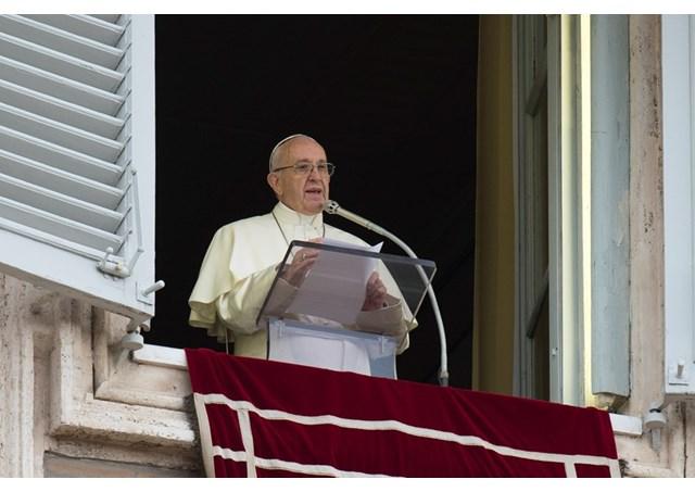 Папа: Молюся за Україну, аби сила віри зцілила рани минулого