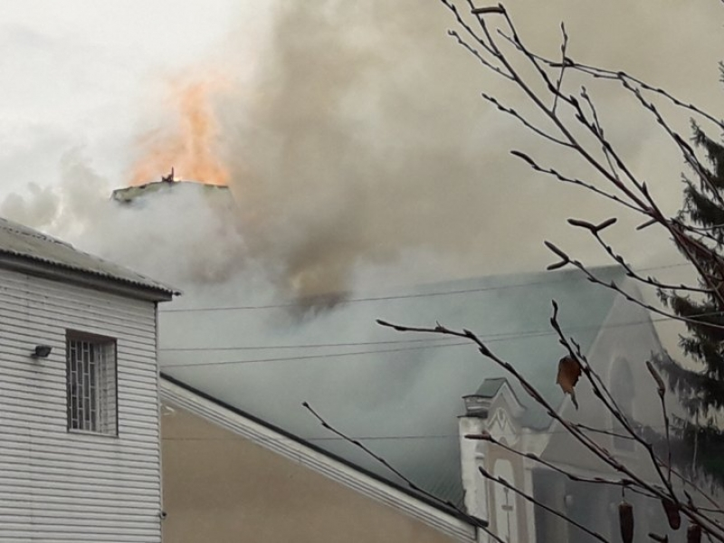 На Сумщині під час Богослужіння спалахнула церква УПЦ (МП)